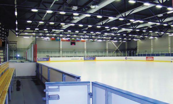 Светодиодное освещение казанского Ледового дворца спорта (тренировочной базы хоккейного клуба «АК БАРС»). Светильники ТИС-17-2 с индексом цветопередачи более 90