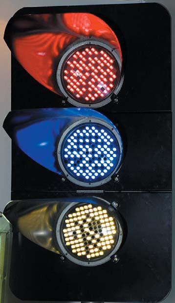 Светофорная головка с вышедшими изстроя светодиодами в ССС