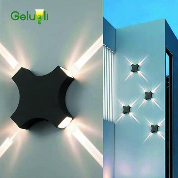 Типовой четырехлучевой настенный светильник