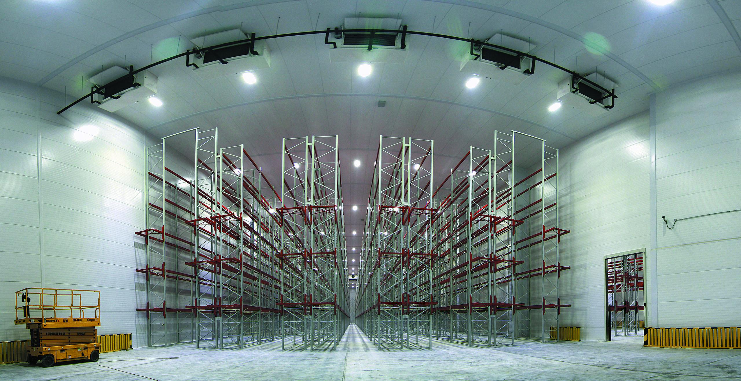 Модернизированное освещение склада ОАО «Монолит»