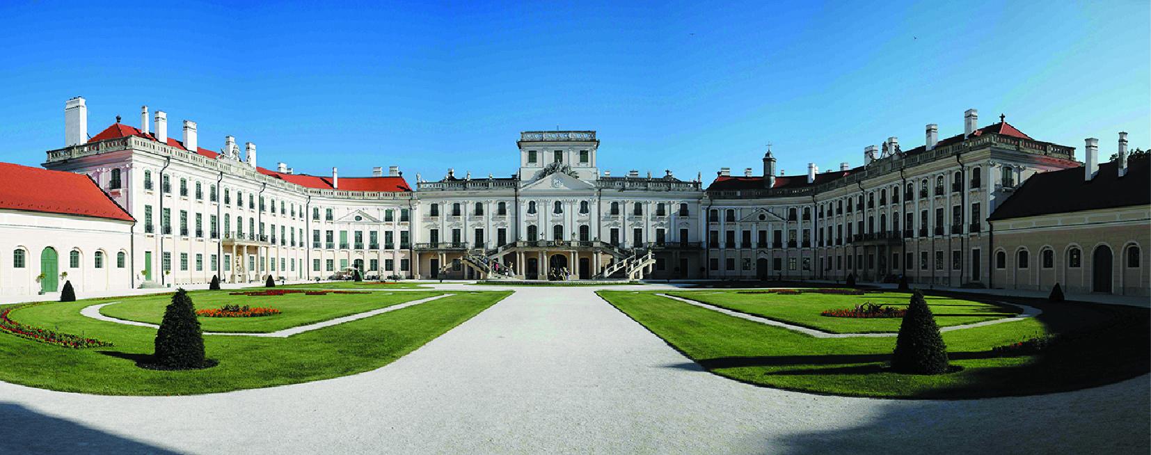 Дворец Эстерхази (фотограф Peter Szvitek)