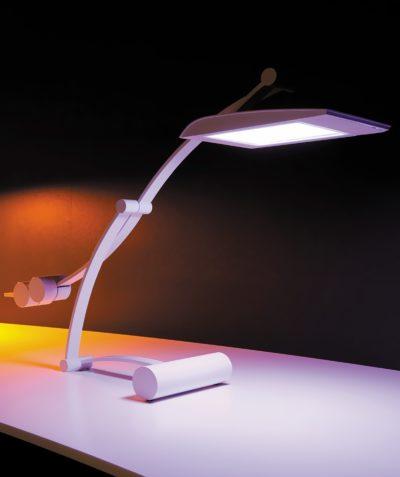 Настольная лампа с панелью VELVE