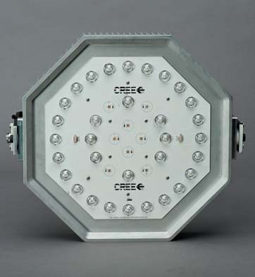 В системах освещения с отдельными светодиодами их монтаж на печатную плату производится с помощью пайки в конвекционной печи оплавления. Этот процесс более сложный и дорогостоящий