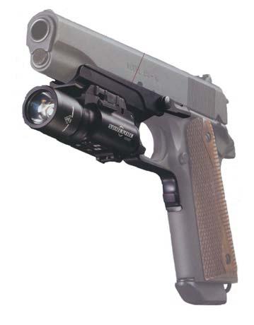 Установка фонаря Х300 на пистолете