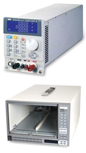 Общий вид электронной нагрузки АКИП (вверху— модуль АКИП-1134, внизу— шасси 3305F)