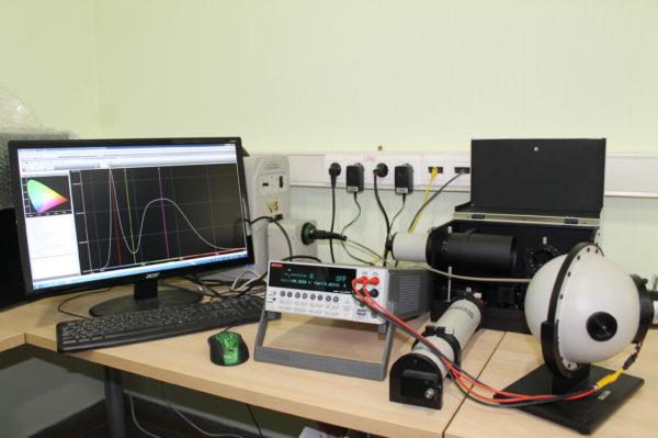 Спектрорадиометрический комплекс для измерения параметров светодиодов